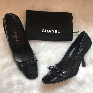Authentic CHANEL Cap Toe Logo Suede Shoes